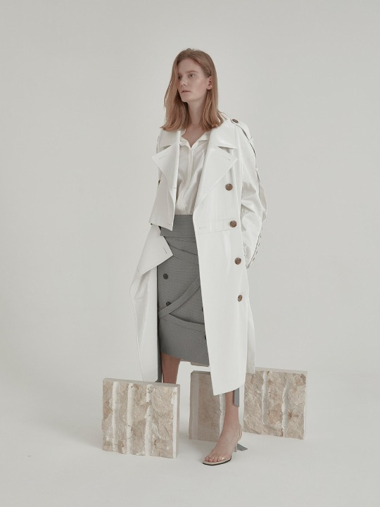 Fieno Oversized Trench Coat_White