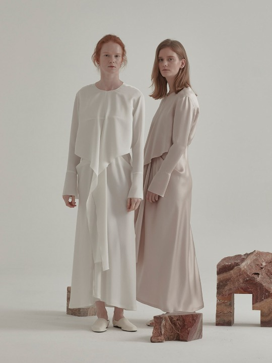 Robe Drape Satin Dress_Off White