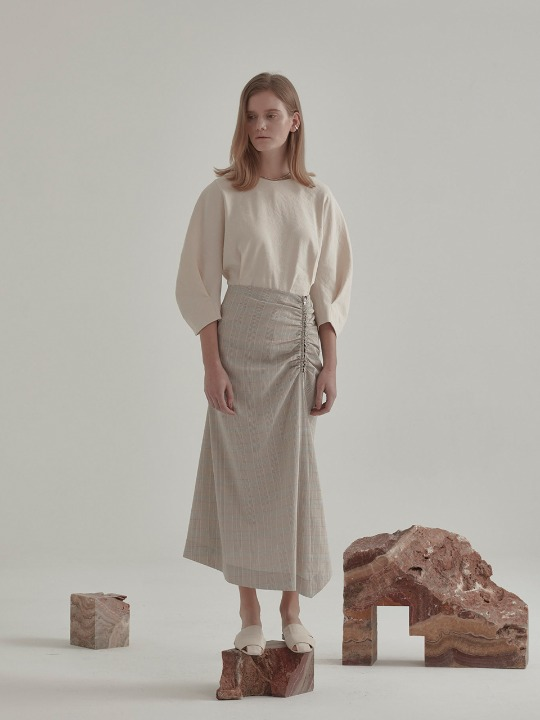 Low Drape Skirt_Beige Check