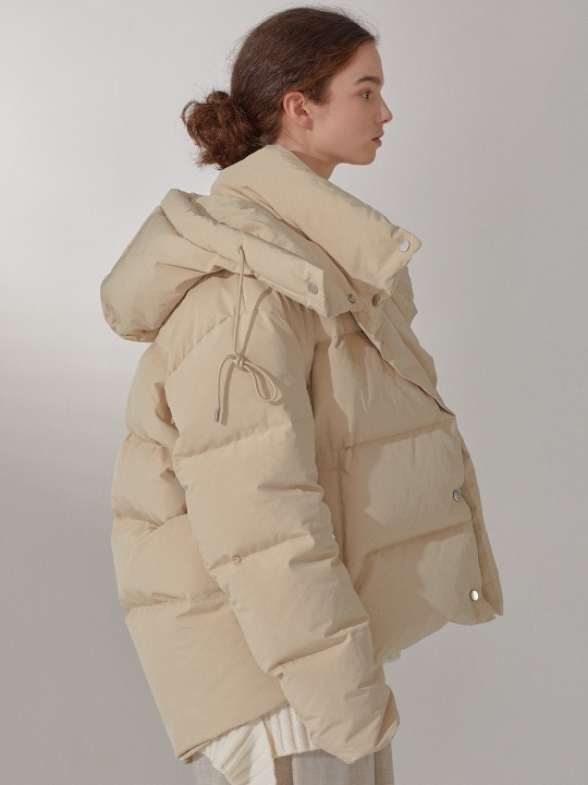 LE MUSEE_BAZEL Reversible Goose Down Puffer Jumper_Soft Beige