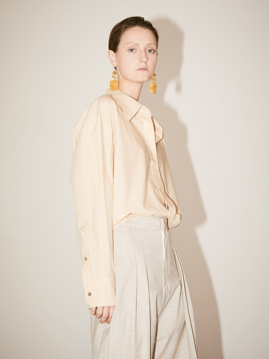 [손나은 착용] LYES Oversized Double Collar Cotton-Poplin Shirt_Beige