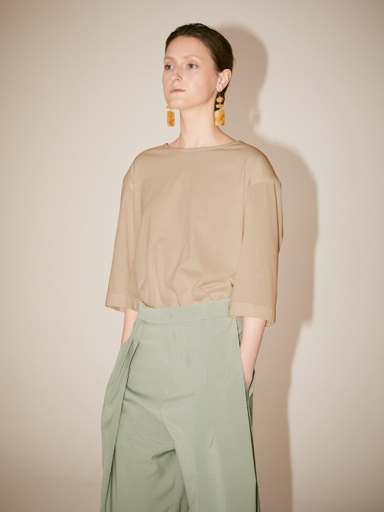[Supima Silk Cotton] LMIER Shoulder Padded Silk Jersey Top_Beige