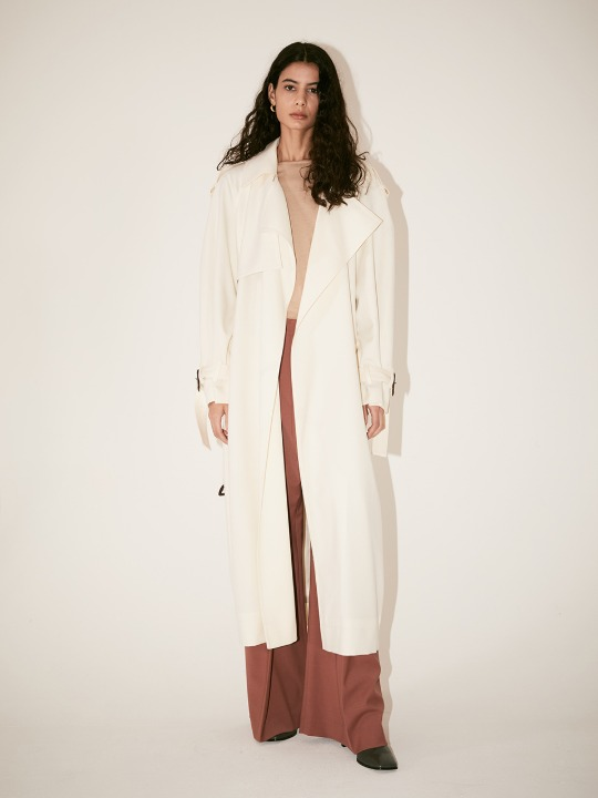 LE MUSEE_IVER Belted Wide Lapel Trench Coat_Off White