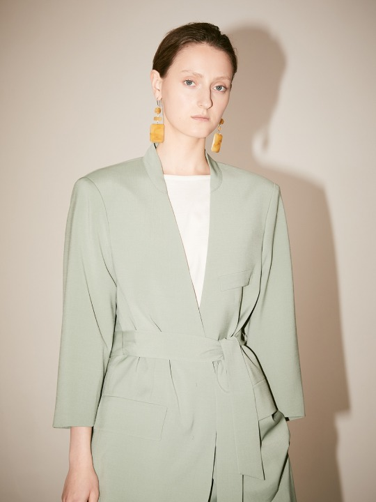 LE MUSEE_VENICE Collarless Belted Fine Wool Blazer_Green